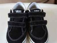 Black boys Vans in great condition. Size toddler 8.