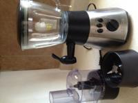 I HAVE A BLENDER AND FOOD PROCESSOR FOR SALE $25. THE