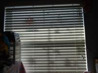 Excellent Condition Color: WHITE Faux wood Blinds Looks