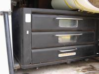 double deck gas commercial pizza oven. approximately 5