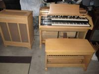 Type: OrganType: Hammond * Blond-C-3 Hammond Organ & &