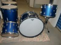 BIG HUGE 70S SOUND!!THE KIT HAS 2, 14 TOMS AND A 16 AND