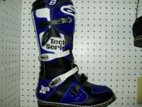 This is a brand new pair of Alpinestars motocross