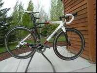 BMC Racemachine with Mavic Cosmic carbone wheels and
