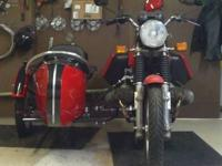 HI THE BMW IS RED I HAVE MY 1977 BMW R100/7 WITH A