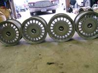 These are BMW 318 Wheels in Great condition. very