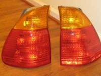 PAIR OF OEM TAIL LIGHTS FOR BMW X5 BOTH SIDES, IT CAME