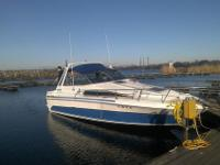 28 ft new 350 merc cruiser motor , new 2015 vencera