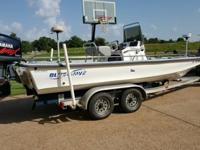 2001 Blue Wave 220 Classic Deluxe, 2000 Yamaha 150 hp,