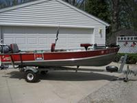 Description for sale: 14' Lund Fishing Boat with