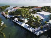 Boaters Paradise, protected dockage with boat basin and
