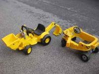BOB THE BUILDER BULLDOZER AND PUSH AND RIDE CART. THE