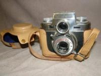Bolsey Model C, Twin Lens Reflex w/Leather Case. In