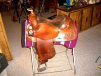 THIS IS A NICE BONA ALLEN SADDLE WITH A 15 INCH SKIRT,