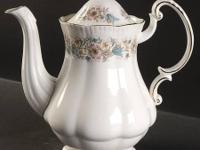 This is a beautiful Paragon Meadowvale bone china tea