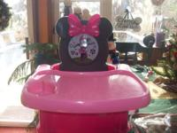 MINNIE MOUSE BOOSTER SEAT WITH TRAY & CUP HOLDER. TRAY