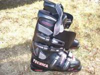 Tecnica Explosion men's 8.5 ski boots. Like new. $35.