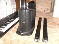 Like new Bose L1 Compact line array system. 2 channel