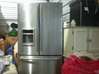 USED.MINT CONDITION WATER DESPENSER~REFRIGERATOR