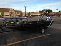 16' Boat with 25hp long shaft Johnson motor. 55lb