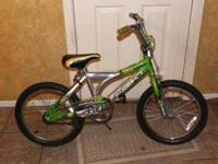 "BOY'S 16"" LIKE NEW BIKE $25 OBO WE ALSP HAVE 2 GIRLS"