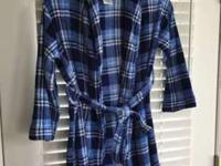 Boy's House Coat size 10-12In excellent