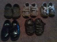 boys brown crocs size 4-5 $4 new balance gray velcro