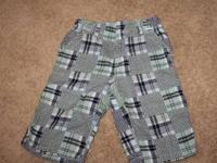 boys Gymboree size 6 blue and green plaid shorts.