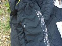 Boys snow suit size XL 14/16  great condition.
