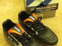 I am selling a pair of boys size 8 1/2 Brava soccer