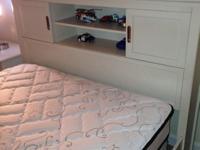 Type: FurnitureType: BEDROOM SETBeautiful brand-new