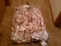 i have a snow camo parka 3XL snow camo pant 3XL brand