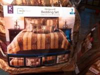 Brand brand-new 7 piece bedding sets. Consists of