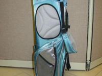 Pretty powder blue ladies' golf bag with double