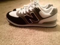 BRAND NEW BALANCE 574 Men's Shoe Size: 9 Color: Navy,