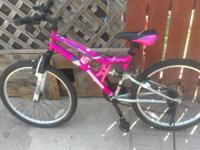 SELLLING A BRAND NEW MONGOOSE MOUNTAIN BIKE- -21 SPEEDS