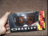 BRAND NEW OAKLEY AIRBRAKENever even tried onJet Black