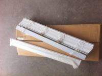 Never used window blind , new in box,comes with