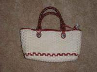 VERY NICE! USED BRIGHTON PURSE IN EXCELLENT CONDITION!