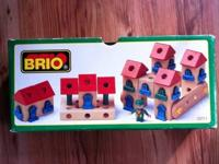 This is a rare Brio set. The set is complete except for