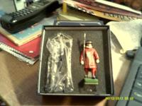 Mint in the box, Sentry Box & Beefeater #0088  Call to