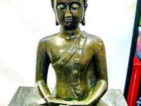 This old bronze Sukothai sitting Buddha came from