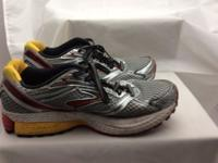 "men""s brooks shoes men's 7.5 newer was worn just a few"