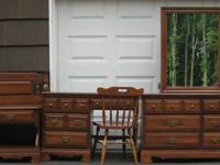 6-piece solid wood bedroom set is in a perfect shape