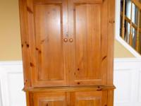 Gorgeous Armoire In Mint Condition For Sale In Garden City