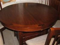 For sale 5 PC Dining Collection made by Broyhill. It