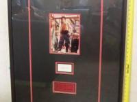 Rare! Original signature cut of Bruce Lee, the most