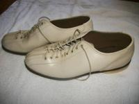Brunswick Bowling Shoes Leather Sole size 10 1/2