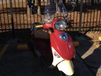 Make: Vespa Mileage: 700 Mi Year: 2008 Condition: Used
