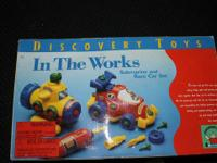 DISCOVERY TOYS - In the Works Submarine and Race Car